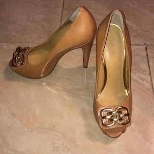 Nine West heels with gold detailing!